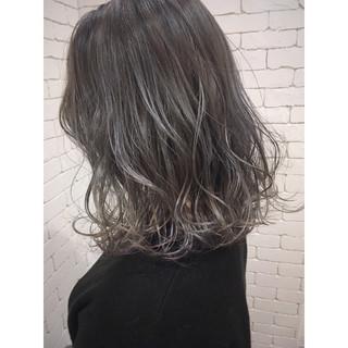 ハイライト 抜け感 グラデーションカラー ミディアム ヘアスタイルや髪型の写真・画像