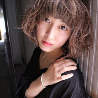 小顔 外国人風 色気 ヌーディベージュ ヘアスタイルや髪型の写真・画像