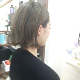 外国人風 ボブ グレージュ ブルーアッシュ ヘアスタイルや髪型の写真・画像