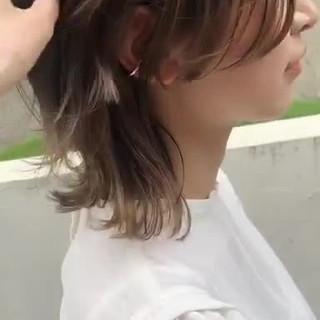ウルフカット グラデーションカラー レイヤーカット ベージュ ヘアスタイルや髪型の写真・画像