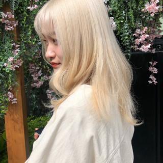 ダブルカラー ロング ブロンド ハイトーンカラー ヘアスタイルや髪型の写真・画像