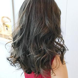 外国人風カラー ハイライト 透明感 ミディアム ヘアスタイルや髪型の写真・画像