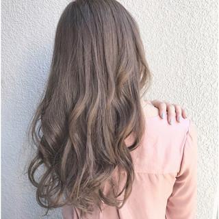 ロング アッシュ ハイライト エレガント ヘアスタイルや髪型の写真・画像