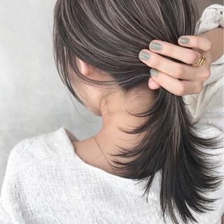 グレージュ 外国人風 セミロング ハイライト ヘアスタイルや髪型の写真・画像