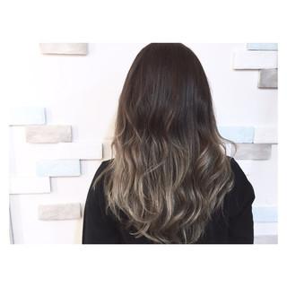 ハイライト ロング ストリート グラデーションカラー ヘアスタイルや髪型の写真・画像