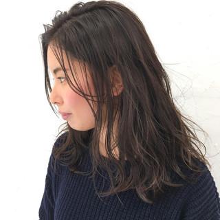 外国人風 ミルクティー アッシュ 大人かわいい ヘアスタイルや髪型の写真・画像