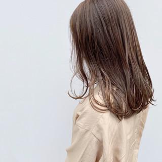 極細ハイライト セミロング ヌーディーベージュ 大人ハイライト ヘアスタイルや髪型の写真・画像