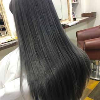 ダブルカラー アッシュ 暗髪 ロング ヘアスタイルや髪型の写真・画像