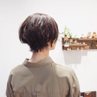 ショートヘア 大人ショート 前下がりショート ナチュラル ヘアスタイルや髪型の写真・画像