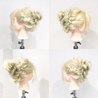 ショート 簡単ヘアアレンジ フェミニン ゆるふわ ヘアスタイルや髪型の写真・画像