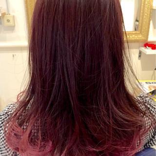 ピンク グラデーションカラー セミロング レッド ヘアスタイルや髪型の写真・画像