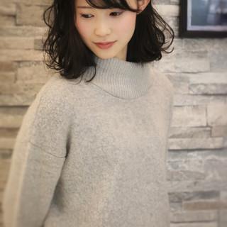 シースルーバング ナチュラル 黒髪 簡単ヘアアレンジ ヘアスタイルや髪型の写真・画像