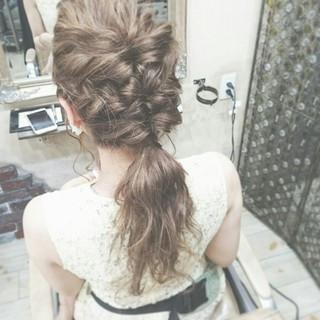 セミロング ヘアアレンジ 波ウェーブ ゆるふわ ヘアスタイルや髪型の写真・画像