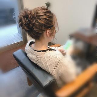 アップ フェミニン ミディアム お団子 ヘアスタイルや髪型の写真・画像