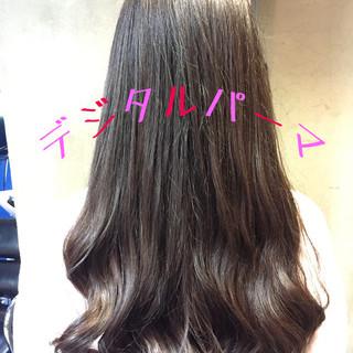 アッシュ デジタルパーマ デート パーマ ヘアスタイルや髪型の写真・画像