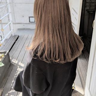 ハイトーン ミルクティーベージュ ヘアアレンジ ダブルカラー ヘアスタイルや髪型の写真・画像