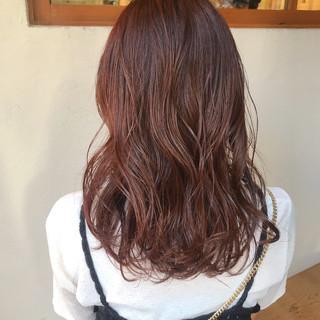 ミディアム アプリコットオレンジ オレンジ オレンジベージュ ヘアスタイルや髪型の写真・画像