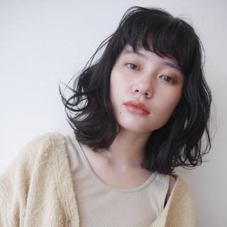 ミディアム レイヤーヘアー レイヤーカット レイヤーボブ ヘアスタイルや髪型の写真・画像