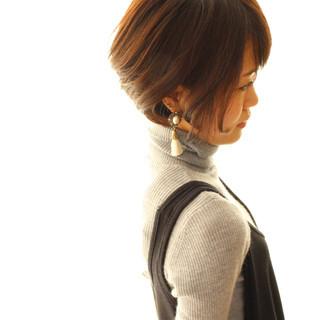 ショートボブ 耳かけ ボブ 似合わせ ヘアスタイルや髪型の写真・画像