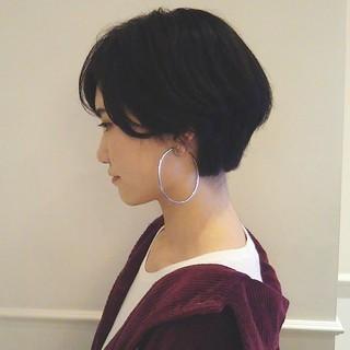 ショート パーマ 黒髪 ナチュラル ヘアスタイルや髪型の写真・画像