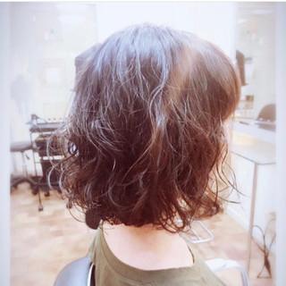 フェミニン ウェーブ ボブ パーマ ヘアスタイルや髪型の写真・画像