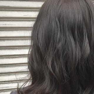 ナチュラル ゆるふわ 暗髪 アッシュ ヘアスタイルや髪型の写真・画像