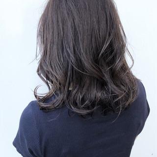 スポーツ グレージュ アウトドア セミロング ヘアスタイルや髪型の写真・画像