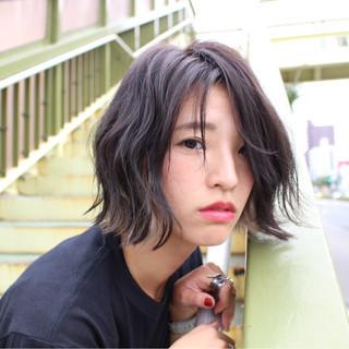 黒髪 抜け感 暗髪 ニュアンス ヘアスタイルや髪型の写真・画像