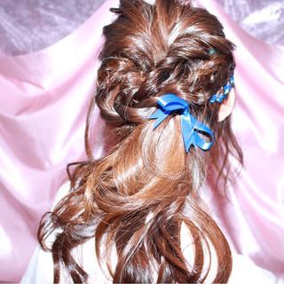 セミロング ガーリー 暗髪 パーマ ヘアスタイルや髪型の写真・画像