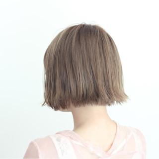 切りっぱなし ブリーチ ショートボブ 透明感 ヘアスタイルや髪型の写真・画像