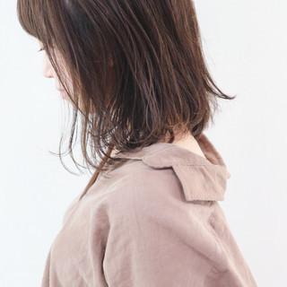 抜け感 レイヤーカット ミディアムレイヤー ミディアム ヘアスタイルや髪型の写真・画像