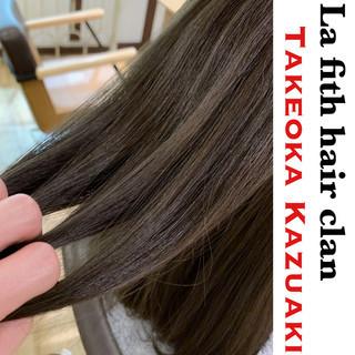ミディアム ブリーチなし アッシュ 透明感 ヘアスタイルや髪型の写真・画像