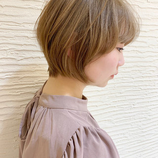 ショート ショートボブ ダブルカラー ナチュラル ヘアスタイルや髪型の写真・画像