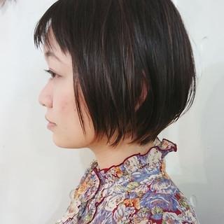 ショートボブ ナチュラル ハンサムショート オン眉 ヘアスタイルや髪型の写真・画像