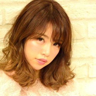 グラデーションカラー ゆるふわ 外国人風 巻き髪 ヘアスタイルや髪型の写真・画像