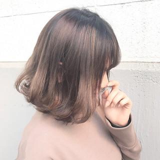 ハイライト ガーリー ミルクティー 色気 ヘアスタイルや髪型の写真・画像