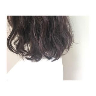 ミディアム ラベンダーピンク フェミニン ラベンダー ヘアスタイルや髪型の写真・画像