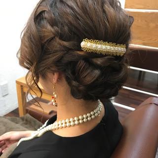 ナチュラル セミロング 編み込み まとめ髪 ヘアスタイルや髪型の写真・画像