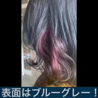 ミディアム インナーカラー ナチュラル インナーピンク ヘアスタイルや髪型の写真・画像