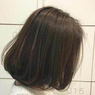 ハイライト アッシュグレージュ 外国人風 コンサバ ヘアスタイルや髪型の写真・画像