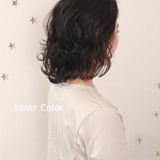 ミディアム ストリート インナーカラー ニュアンスウルフ ヘアスタイルや髪型の写真・画像