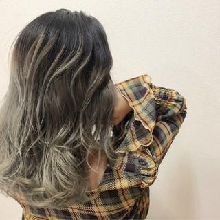 セミロング 外国人風カラー グラデーションカラー バレイヤージュ ヘアスタイルや髪型の写真・画像