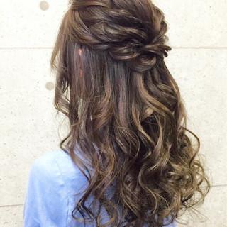 フェミニン ヘアアレンジ ゆるふわ 巻き髪 ヘアスタイルや髪型の写真・画像