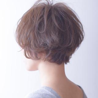 デート ショート ゆるふわ フェミニン ヘアスタイルや髪型の写真・画像