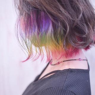 インナーカラー ユニコーンカラー ショートボブ 切りっぱなしボブ ヘアスタイルや髪型の写真・画像