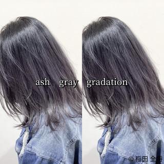 グレーアッシュ アッシュグレー ミディアム ヘアカラー ヘアスタイルや髪型の写真・画像