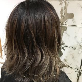 ハイライト 外国人風 アッシュ バレイヤージュ ヘアスタイルや髪型の写真・画像