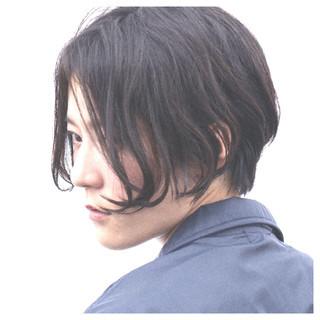 メンズ ストリート くせ毛風 暗髪 ヘアスタイルや髪型の写真・画像