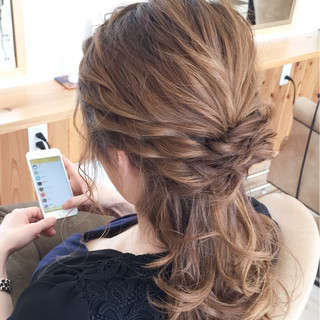 外国人風 セミロング 夏 ハーフアップ ヘアスタイルや髪型の写真・画像