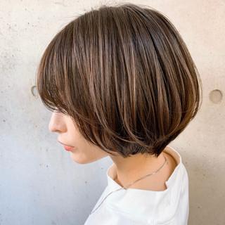 透明感カラー ショートボブ 大人かわいい ゆるふわパーマ ヘアスタイルや髪型の写真・画像